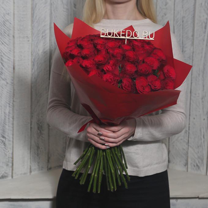 Красная лента — 1 шт., Упаковка Матовая пленка красная — 1 шт., Роза Кения (красный, 50 см) — 51 шт.