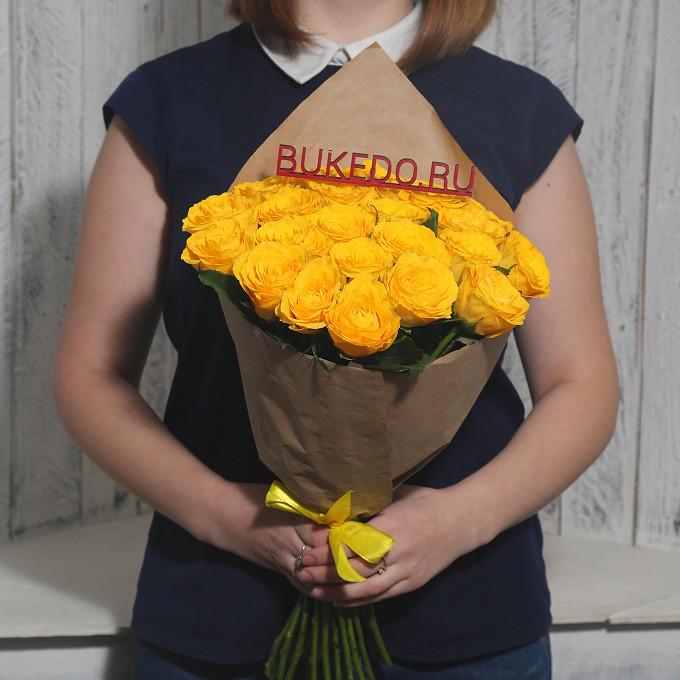 Роза Кения (желтый, 40 см) — 25 шт., Желтая лента — 1 шт., Упаковка Крафт однотонный — 1 шт.