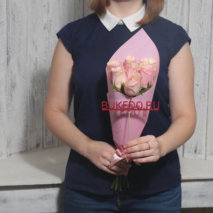 Нежно-розовые розы Кения, 40 см