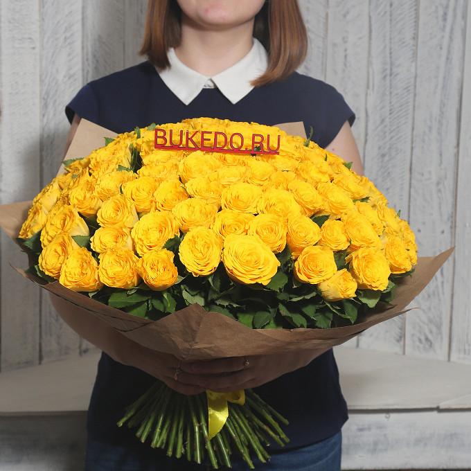 Желтая лента — 1 шт., Упаковка Крафт однотонный — 1 шт., Роза Кения (желтый, 40 см) — 101 шт.