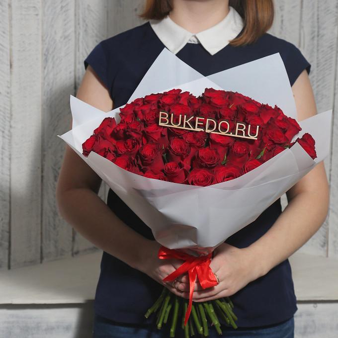 Роза Кения (красный, 40 см) — 51 шт., Красная лента — 1 шт., Упаковка Матовая пленка белая — 1 шт.