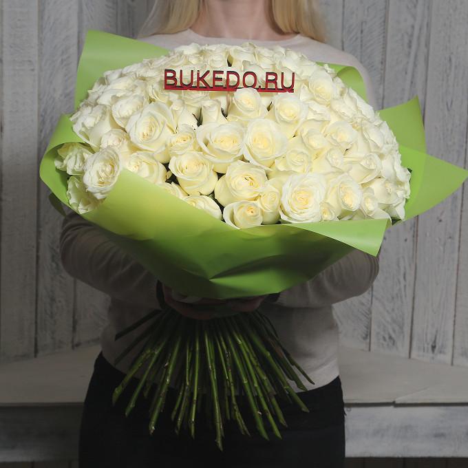 Белая лента — 1 шт., Упаковка Матовая пленка зеленая — 1 шт., Роза Кения (белый, 50 см) — 101 шт.