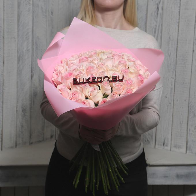 Роза Кения (нежно-розовый, 50 см) — 51 шт., Розовая лента — 1 шт., Упаковка Матовая пленка розовая — 1 шт.