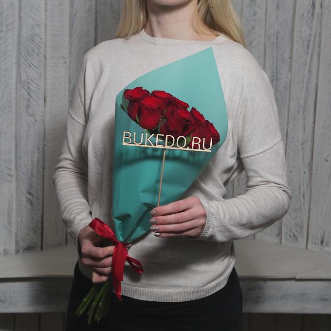 Красная лента — 1 шт., Упаковка Матовая пленка бирюзовая — 1 шт., Роза Кения (красный, 50 см) — 7 шт.