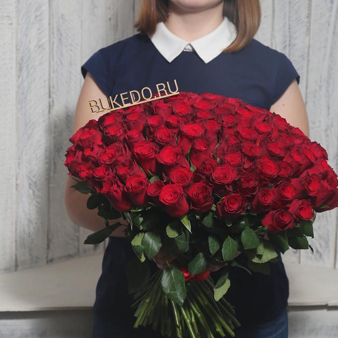 Красная лента — 1 шт., Роза Кения (красный, 40 см) — 101 шт.