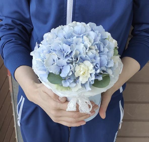 Коробочка с голубой гортензией