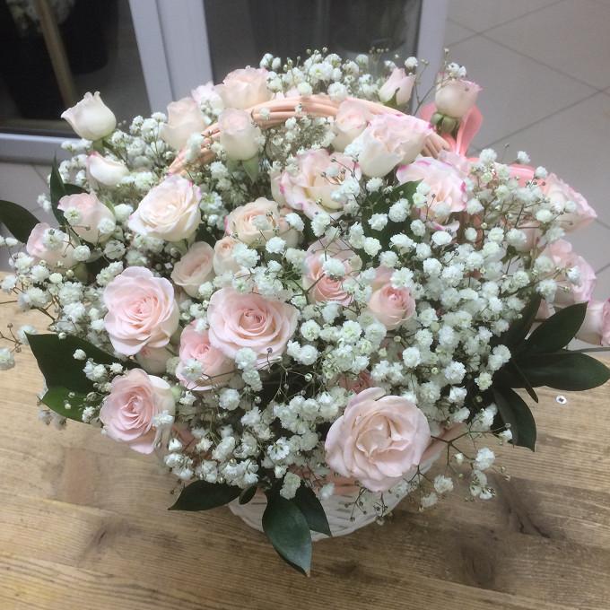 Корзиночка с кустовой розой