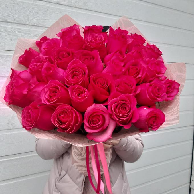 Малиновые розы