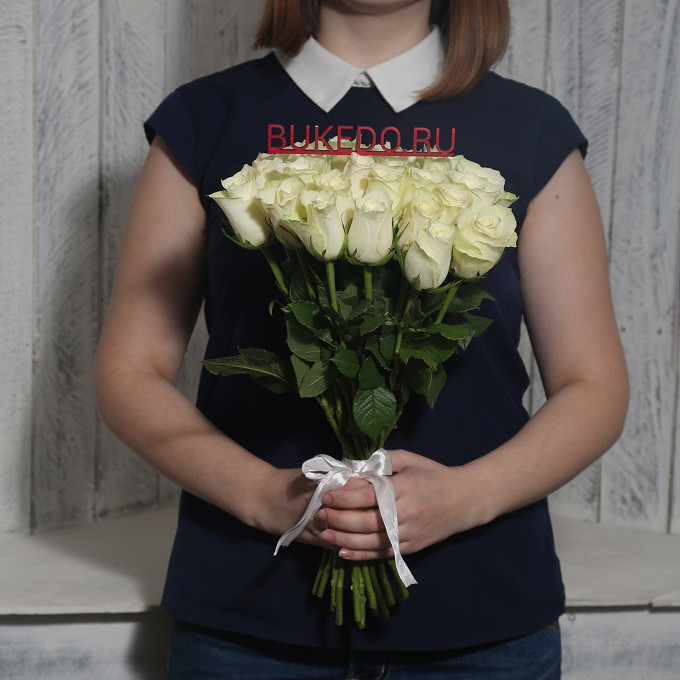 Белые розы Кения, 40 см