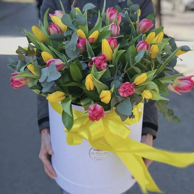 Микс тюльпанов в коробке