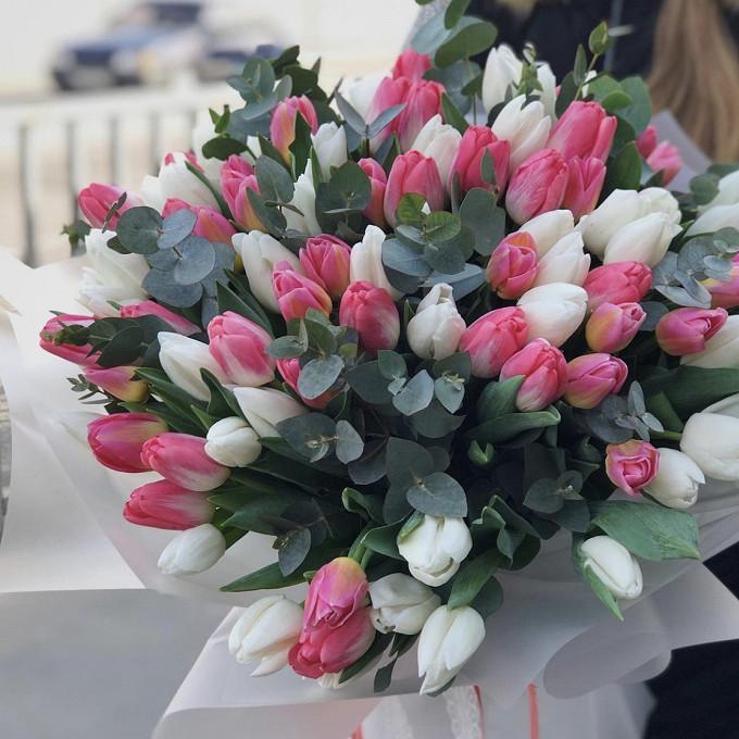 Тюльпаны с эвкалиптом
