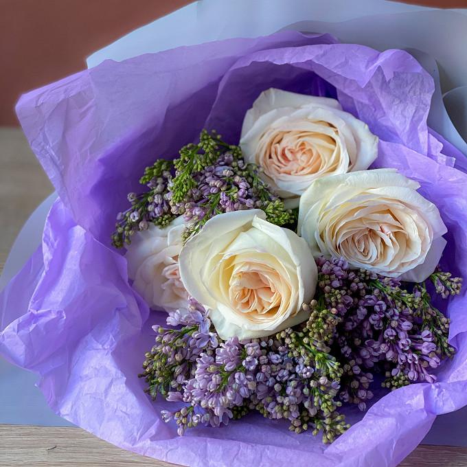 Сирень и ароматные розы