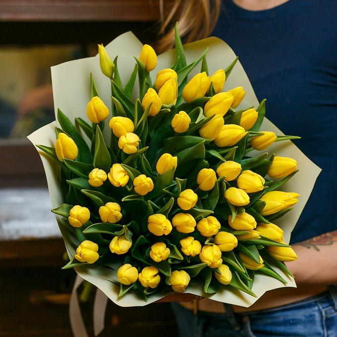 45 желтых тюльпанов