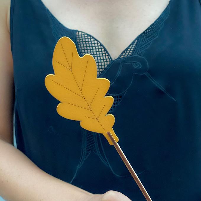 Лист желтый
