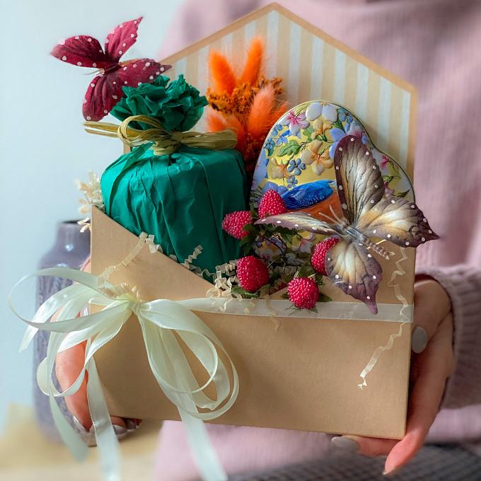 Подарочный набор с чаем и конфитюром