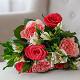 Букет из: красная лента — 1 шт., роза (красный, 50 см) — 5 шт., альстромерия (белый) — 4 шт., роза пионовидная (розовый) — 4 шт. - Букет с красными и пионовидными розами - фото 4