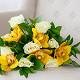 Букет из: рускус — 9 шт., желтая лента — 1 шт., орхидея цимбидиум 1 бутон (желтый) — 5 шт., роза (белый, 50 см) — 8 шт. - Букет с белыми розами и орхидеей цимбидиум - фото 3