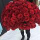Букет из: роза (красный, 40 см) — 101 шт., красная лента — 1 шт. - 101 роза с красной лентой - фото 3
